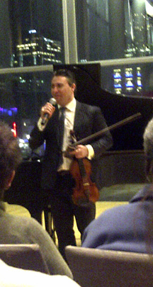 Maxim Vengerov thanks audience following Master Class in Montreal. 26.10.2012.